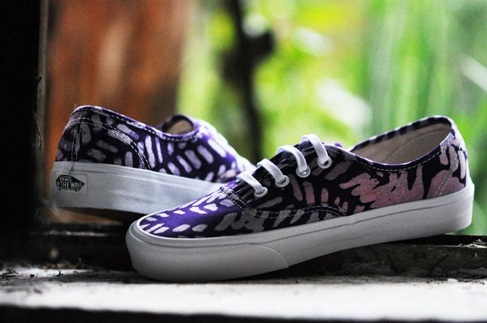 Vans x Della = Authentic batik