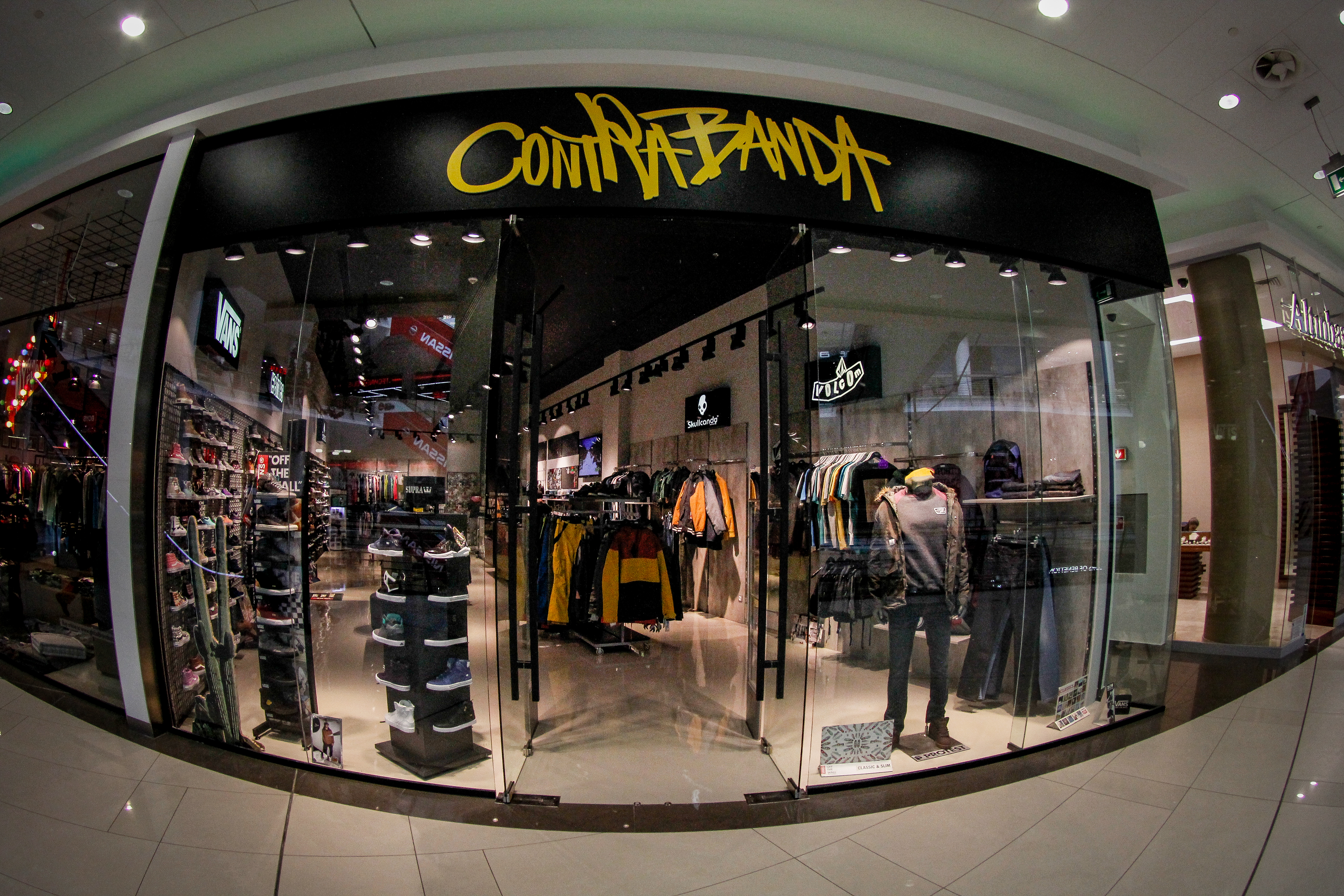 Contrabanda в Bulgaria Mall с обновен магазин